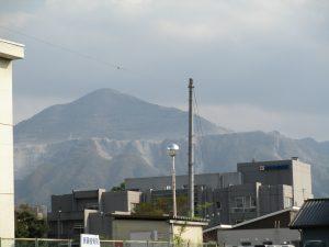 山がすぐ近くに見える環境に秩父生協病院はあります